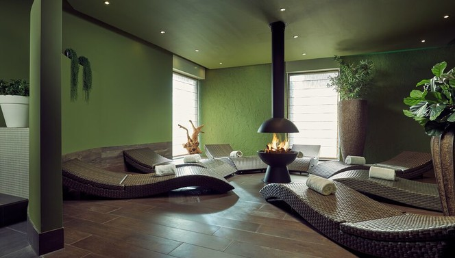 Wellness relax Hotel Breukelen Sauna Steam cabin Enjoy Fireplace